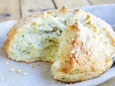 Easy Australian Damper recipe with cheese and herb variation Aussie Food, Australian Food, Australian Recipes, Australian Christmas Food, Aussie Christmas, Bread Recipes, Baking Recipes, Scone Recipes, Camping Meals
