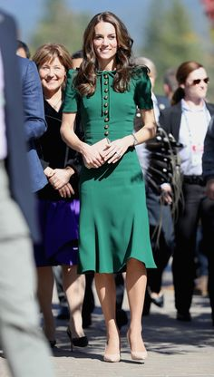 Jolly Greens - The Most Timeless Kate Middleton Holiday Looks - Photos