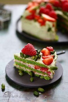 Gâteau à étages framboise pistache