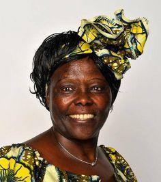 Wangari Muta Maathai fue una activista política, y ecologista keniana. En 2004 recibió el Premio Nobel de la Paz por «sus contribuciones al desarrollo sostenible, a la democracia y a la paz». Fue la primera mujer africana que recibe este galardón.