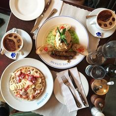 There's something about this café that keeps me coming back. @daniellezichterman…