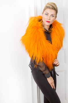 Pellicceria Borello Torino #fur #scarf #fashion #trends #kidassia #pelliccia #orange #fourrure