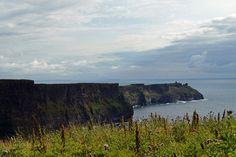 #cliffsofmoher #klippenvonmoher #cliffs #landschaft #landscape #leinwand #BabettsBildergalerie #ireland #irland Cliffs Of Moher, Land Scape, Illustration, Mountains, Nature, Travel, Pictures, Printing On Wood, Artist Canvas
