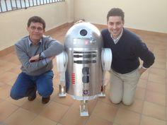 Star Wars fan builds an Arduino-powered R4-P17 replica
