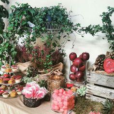 Detalle de la mesa de dulces amorosos por San Valentín