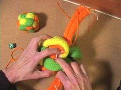Free Knitting Pattern :: Decorative Toy Balls