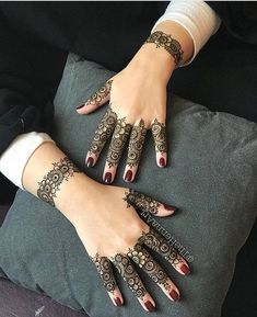 Henna Hand Designs, Mehndi Designs Finger, Henna Tattoo Designs Simple, Latest Bridal Mehndi Designs, Modern Mehndi Designs, Mehndi Designs For Girls, Mehndi Designs For Beginners, Mehndi Design Photos, Mehndi Designs For Fingers