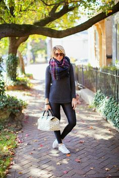 Night blue sweater black eco-leather leggins