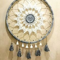 Ловец снов. Можно купить. #Dreamcatcher #boho #bohostyle #wedding #bohowedding #mabdala #eco #recycle #jeans #recyclingjeans #recycling #handmade #weddinggift #love #hippie #gypsy #boholux #doily #crochet #ловецснов #подарокнасвадьбу #старыеджинсы #вналичии #продам #декорстен #бохо #бохошик #талисман #семейныйталисман http://gelinshop.com/ipost/1514743781064077682/?code=BUFc3GEDnFy