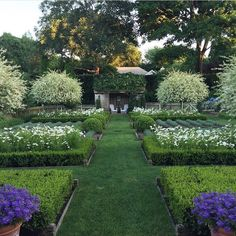 Potager Garden Ina Garten's Gardens - Ina Garten is an inspiration for so many of us. Her latest cook book, Cook Like a Pro, is due for publishing later this year and I for one cannot wait. We have all of… View Post Potager Garden, Garden Paths, Formal Gardens, Outdoor Gardens, Balcony Plants, Vegetable Garden Design, Garden Images, White Gardens, Dream Garden