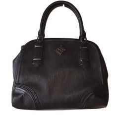 """Simply Vera Vera Wang Black Handbag Purse  Simply Vera Vera Wang from Khols Black polyester pleather Multi Pocket opening with lots of pockets Zipper and magnetic closures LinedLength- 15"""", Width- approx 12-13"""" New without tags never worn! Simply Vera Vera Wang Bags"""