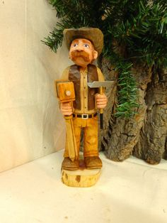 Hand carved wood sculpture of vintage by WeAreOutofOurGourds
