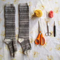 Turn old socks into wristwarmers - mrsbrownmakes.blogspot.co.uk