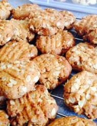 ANZAC biscuits – gluten-free!   Healthy Food Guide