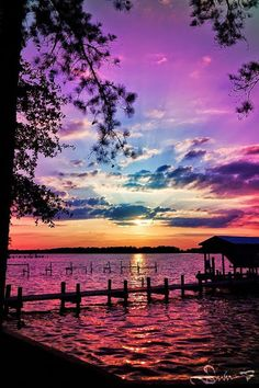 Inspiring sunset natural scenery breathtaking purples, blues over water. Beautiful Sunset, Beautiful World, Beautiful Images, Simply Beautiful, Beautiful Things, Amazing Sunsets, Beautiful Scenery, House Beautiful, Absolutely Gorgeous