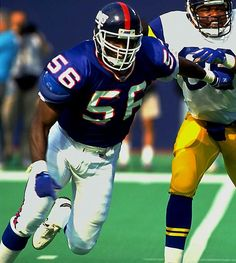 Lawrence Taylor - New York Giants New York Giants Football, Nfl Football, American Football, Football Players, Football Images, Sports Images, Beast Of The East, Tony Dorsett, Lawrence Taylor