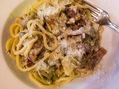 Reviews of Testaccio restaurants, quinto quarto cooking in the shadows of Monte Testaccio in Rome
