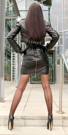 Nylons Heels, Pantyhose Legs, Sexy Legs And Heels, Sexy High Heels, Fall Outfits, Cute Outfits, Leder Outfits, Fully Fashioned Stockings, Latina Girls