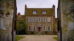 Downton Abbey's Stunning Film Locations « Austenprose – A Jane Austen Blog I would totally take the dowager's home!