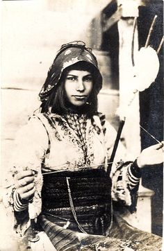 Balkan spinner c 1916--she is very beautiful