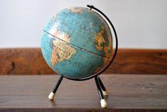 Globe terrestre vintage Taride Paris par NaphtalineBrocante sur Etsy