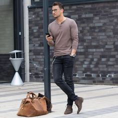 03 black denim, a brown long-sleeve, brown suede shoes (great for an office) - Styleoholic