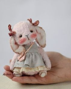 Everything You Have Ever Wanted To Know About Toys Teddy Toys, Bunny Toys, Bunnies, Ours Boyds, Fabric Animals, Bear Doll, Little Doll, Stuffed Animal Patterns, Soft Dolls