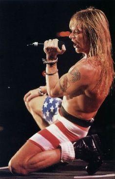 Axl Rose of Guns N' Roses, early Axl Rose, Guns N Roses, Rock Poster, Theatre Problems, Slash, Acting Tips, Best Rock, Rock Legends, Les Miserables