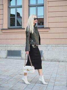 So stylst du den neuen Trend - weiße Schuhe/ weiße Boots Stiefeletten - für den Herbst Winter richtig. Mehr Herbst und Winter Trends sind auf meinem Mode Blog Sandra Levin.