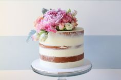 Michelle Maric of Sydney's Sugablossom Cakes is a self-proclaimed cake fanatic. She's a self-taught caker, whose love for baking began as a young girl.