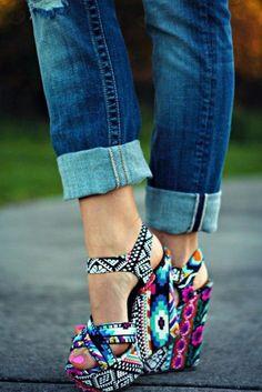 Shoes: cute, accessories, tribal pattern, print, high heels, cute heels, wedges, summer shoes, adorable, bold shoes, bold, statement, statement shoes, summer wedges, aztec wedges, aztec, high heels, colorful, print, printed shoes, multicolor, azte shoes, geometric, block colour, tribal wedge heels colorf, compensés, multicolore, aztèque, été, noir, blanc, lovely, beautiful, brand, design - Wheretoget
