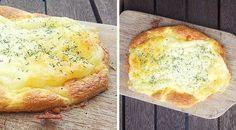 Low Carb Rezept für ein luftiges überbackenes Mozzarella-Low-Carb-Fladenbrot. Wenig Kohlenhydrate und einfach zum Nachkochen. Super für Diät/zum Abnehmen.