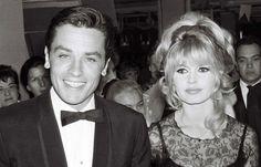 """Brigitte Bardot a écrit à Alain Delon pour souhaiter un bon anniversaire à son ami qui souffle dimanche ses 80 bougies. """"Tu es cet aigle à deux têtes, le ying et yang, le meilleur et le pire,..."""