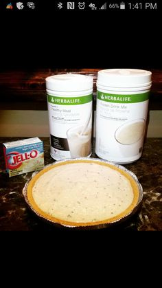 blend well, pour into graham cracker pie crust and freeze. makes 6 slices, each slice replaces a meal. Protein Drink Mix, Healthy Protein Shakes, Protein Snacks, Herbalife Shake Recipes, Herbalife Nutrition, Herbalife Meals, Low Calorie Desserts, Healthy Desserts, Healthy Recipes