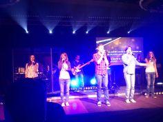 ICF Praha worship team v akci na golden celebration.