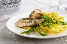 Kyllingfilet på pasta med ertepesto