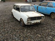 Ad - 1977 Leyland Mini Clubman 1275 (project) Abandoned Vehicles, Abandoned Cars, Mini Clubman, Classic Mini, Scrap, Projects, Log Projects, Blue Prints