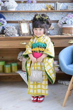 3-92昼(ひる) Japanese Costume, Japanese Kimono, Precious Children, Beautiful Children, Funny Baby Costumes, Girls Dresses Sewing, Japanese Kids, Cute Kids Photography, Little Tykes
