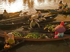 Floating Market.Location : Lok Ba Intan - Banjarmasin - South Kalimantan - Indonesia