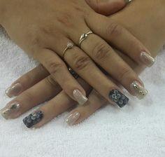#nailsdesign  #nailart #uñas #diseños #black # gold #negro #elegant