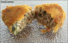 boulettes thon (pour 12 croquettes): – 200 g de thon en conserve. (environ 2 petites conserves) – 1 petit oignon haché – 1 à 2 gousses d'ail hachées – persil haché (à doser selon vos goûts, je mets environ une cuillère à café bien bombée) – aneth hachée (je mets la même quantité que le persil) – 10 ml de jus de citron – 1 cuillère à soupe de chapelure – 25 g de fromage râpé – sel et poivre