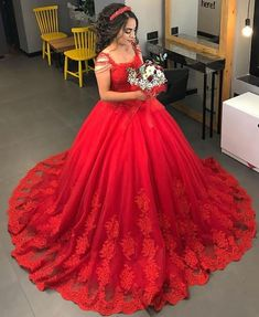Vintage Red Ball Gown Wedding Dress Lace Appliques Beaded Plus Size Custom Bridal Gowns Red Quinceanera Dresses, Red Wedding Dresses, Wedding Dresses Plus Size, Wedding Gowns, Quinceanera Themes, Red Ball Gowns, Ball Dresses, Prom Dresses, Tulle Prom Dress