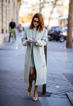 PARIS, FRANCE - SEPTEMBER Christine Centenera wearing pastel coat and button dress is seen outside Dries van Noten during Paris Fashion Week Womenswear Spring/Summer 2019 on September 2018 in Paris, France. (Photo by Christian Vierig/Getty Images) All Fashion, Paris Fashion, Christine Fashion, Christine Centenera, Paris Girl, Button Dress, Classy Outfits, Jacket Dress, Women Wear
