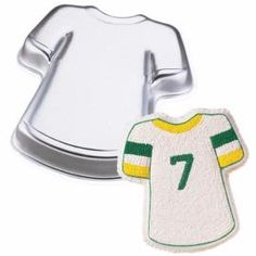 Wilton T-Shirt Sport Team Jersey Hawaiian Shirt Cake Pan~Retired ** Awesome product. Click the image at : Baking pans Wilton Cake Decorating, Cake Decorating Supplies, Baking Supplies, Cookie Decorating, Decorating Ideas, Shirt Cake, T Shirt, Shaped Cake Pans, Wilton Cake Pans