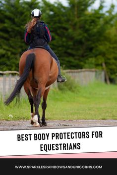 This is not just a best body protector list. It is that but more. If you head over to the post you will have a full guide on fitting and choosing the right body protector for you. #horsesafety #bodyprotector #horseridingvest #horsesafetyvest Horseback Riding Tips, Horse Training Tips, Horse Care, Horse Riding, Nice Body, Equestrian, Need To Know, Hobbies, Horse Grooming
