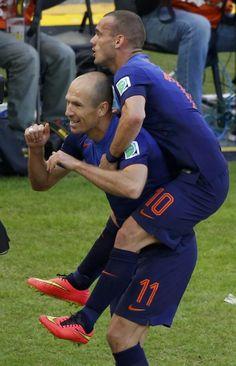 Arjen Robben ve Wesley Sneijder'in gol sevinci...