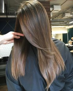 D A R K ⚡️C A C A O ⚡️H A I R . . #barlywithlove #barly #barlyhair #smartblonde #balayage #babylights #balayagehighlights #hairpainting #balayageandpainted #coloredhair #balayageartists #colormelt #hairdressermagic #hairdresser #americansalon #behindthechair #modernsalon #hairbrained #naturalhp