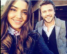 hande ercel ve tolga saritas Turkish Men, Turkish Beauty, Turkish Actors, Johnny Depp Wallpaper, Hayat And Murat, Naomi Scott, Hande Ercel, Lany, Best Couple