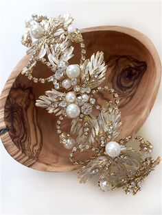 Pearl & Leaf Gold Bridal Headband. Gorgeous detailing and craftsmanship on this wedding headpiece!