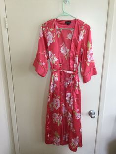1c8a7d56934 Jones New York Intimates Size S M Robe Pink Flowers  fashion  clothing